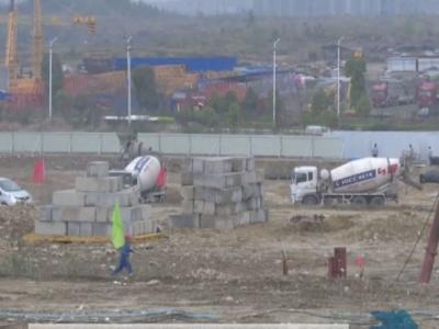 """视频 张湾:打造产业集群 力促项目""""落地生根"""""""
