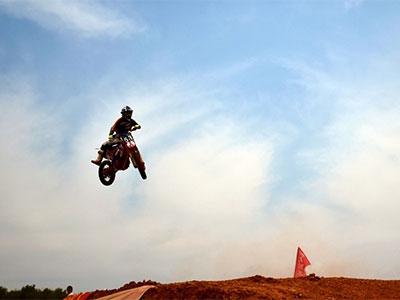 """""""勇敢者的挑战""""全国摩托车场地赛"""