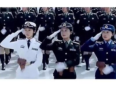 八一前夕,中国女兵发生的的一幕太美了!