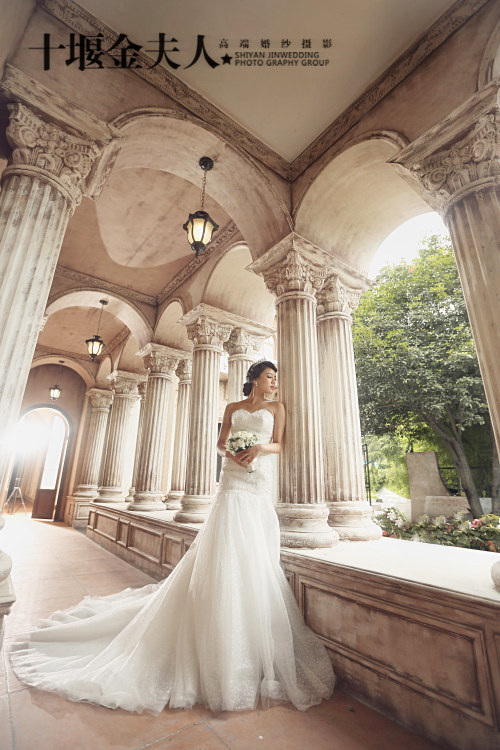 如何拍摄新娘单人婚纱照 4点助你拍出最美婚纱照