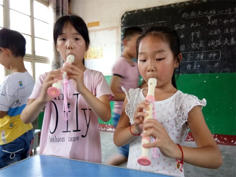 青山镇活动点――竖笛学习.jpg
